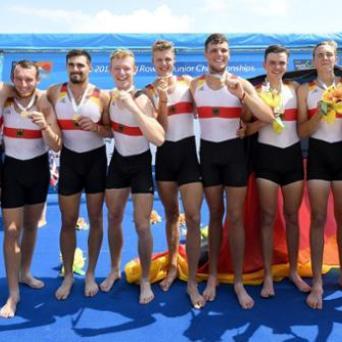 Erik Kohlbach gewinnt Goldmedaille im Achter bei der Junioren-WM in Tokio