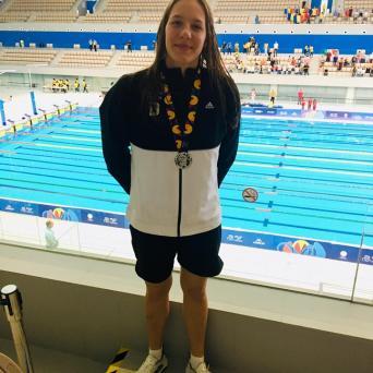 Lucie Mosdzien gewinnt Silbermedaille über 100 Meter Rücken beim EYOF