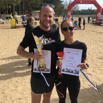 SwimRun-Sieger Jonas Meyer und Anna Spindler